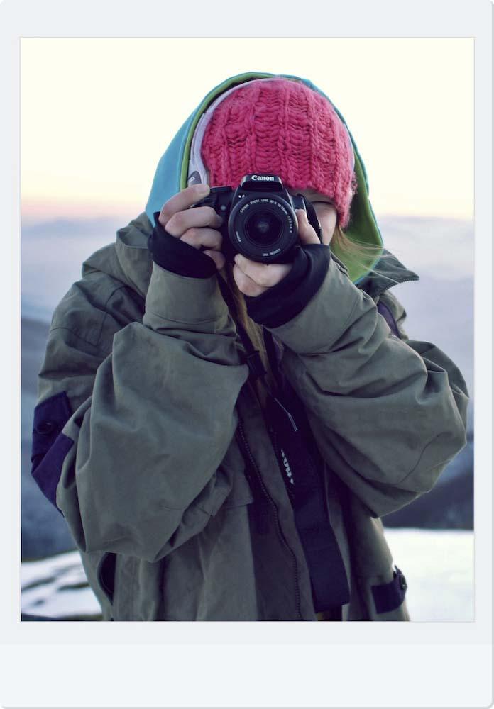 Annette con la sua macchina fotografica
